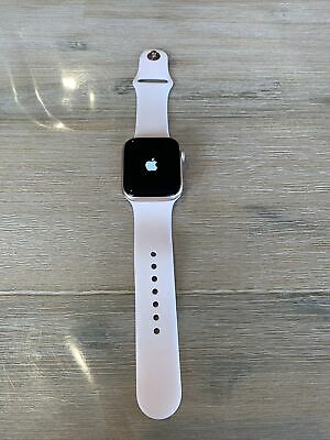 AU399 • Buy Apple Watch Series 4 44mm Gold Aluminum Case/Pink Sand Sport Band (Cellular)