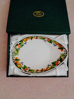 £19.99 • Buy The Regal Collection Vintage Bone China Christmas Themed Egg Shaped Dish - Boxed