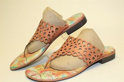 Icon Womens Size 10 Dottie Leather Slip On Thongs Flat Sandal Shoes 476 • 10.85£