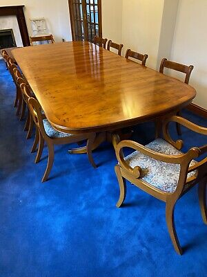 Dining Table And 10 Chairs • 1,200£