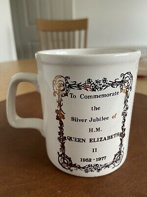 Queen Elizabeth Silver Jubilee Mug From 1977 • 0.99£