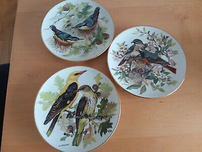 Ursula Band Collectors Bird Plates.  X 3 • 6£