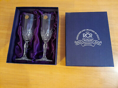 'royal Crystal Rock' 2 Champagne Glasses, New In Box. • 10£