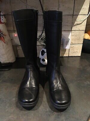 Size 5 Black Pavers Boots. Never Worn.  • 14.50£