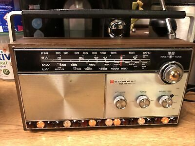 Vintage Standard R-400 Solid State  4 Band Transistor Radio Made In Japan GWO • 39£