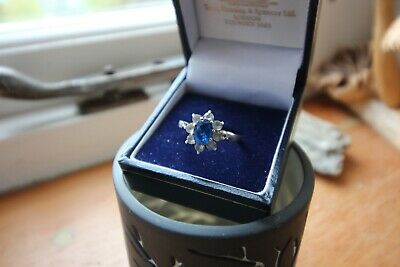 Vintage 9ct Gold & Silver+  'Sapphire & Diamond Look'  Cluster Ring Size P • 40£