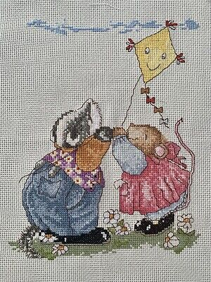 COMPLETED FINISHED CROSS STITCH PIECE - Badger & Mouse • 5£