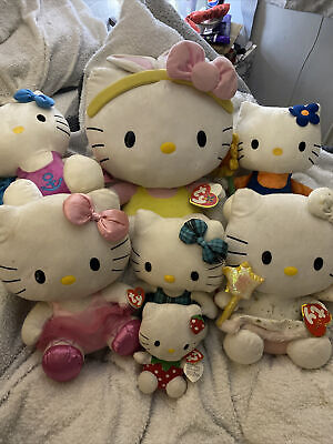 Hello Kitty Plush Bundle • 23£