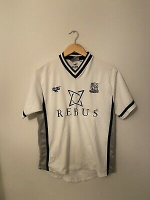 2001-02 Southend United Away Shirt - Small • 25£