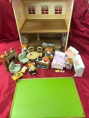 Debs Designs Sylvanian Families Gorgeously Decorated Cedar Terrace House & Lots • 49£