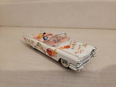 VITESSE 1:43 1959 CADILLAC  JUST MARRIED Diecast Model  • 3.99£