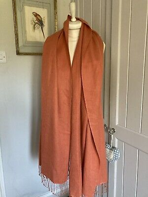 N Peal Burnt Orange Pashmina • 9.50£