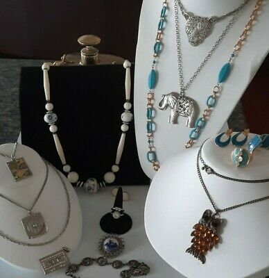 $ CDN16.95 • Buy 💥💋.Vintage Jewlery Lot,Earrings, Brooch~Rings,Long Necklaces,More!Some Signed.