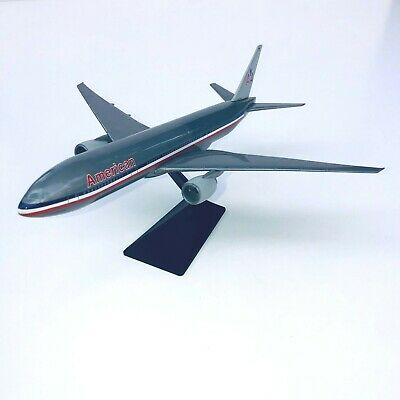 $44.95 • Buy American Airlines 777-200 Airplane Miniature Model Plastic Snap-Fit 1:200 Scale
