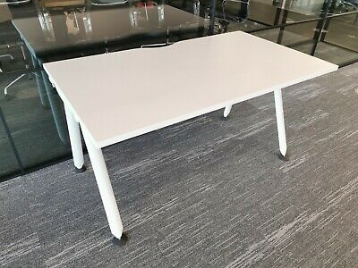 £150 • Buy Herman Miller Abak, 1400mm X 800mm Desk With Cable Tray