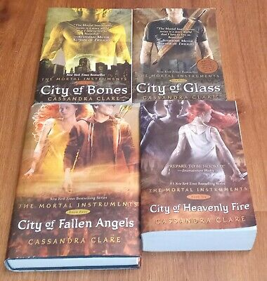 Cassandra Clare Book Lot Mortal Instruments #1, 3, 4 And 6 • 10.85£