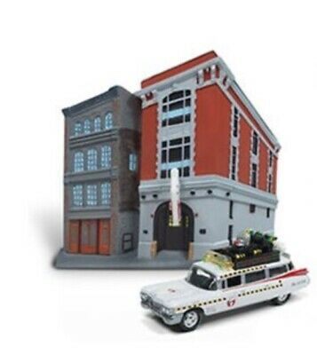 JL-G: Johnny Lightning Diorama 1:64 Ghostbusters Ecto-1A 1959 Cadillac Firehouse • 13.65£