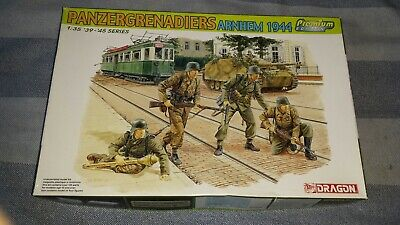 New Dragon 1/35th WWII German  Panzergrenadiers Arnhem 1944  Figure Kit (#6308). • 7.99£