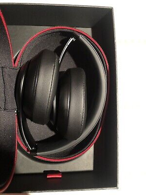 Beats By DR Dre Studio3 Wireless Headphones Matte Black In Box Amazing Condition • 41£