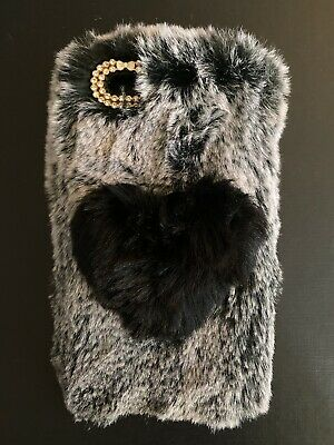 IPhone 6/6s Plus Soft Faux Fur Back Case Cover GREY & BLACK HEART - Brand New! • 3£