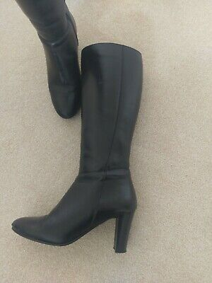 Black Leather Knee Length Boots By Pavers Size 5 • 12£