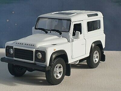 Land Rover Defender Qhite  1.38 Welly Diecast Factory Seconds Faulty Toy Car  • 0.99£