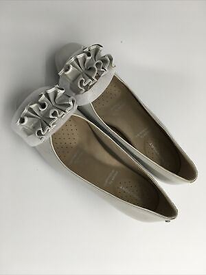 Women Grey Leather Court Shoes Low Heel ( Rockport) FREE UK POST • 8.99£