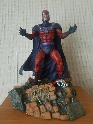 Marvel Select Magneto Avengers Action Figure Diamond Select Display Bust Stand • 18.95£