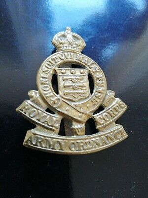 Lovely Royal Army Ordnance Corps Military Cap Badge ORIGINAL  • 2£