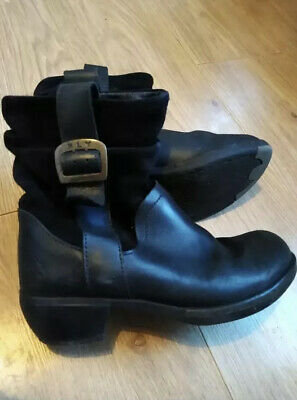 Ladies Black Leather Fly London Boots Size 4 • 19£