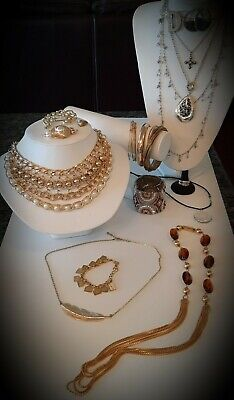 $ CDN22.95 • Buy 🥰Beautiful Mixed Vintage Jewlery Lot,Necklaces,Earrings,Ring,Bracelets More!🥰