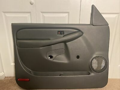 $179.99 • Buy 1999-2006 Chevy Silverado 1500 2500 3500 Lf Driver Front Manual Door Trim Panel