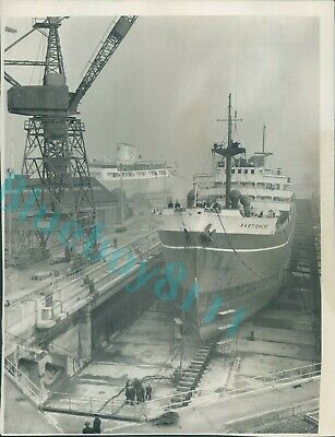 £10.50 • Buy 1960 Cargo Ship Hartismere In Dry Dock On The Tyne Original Press Photo