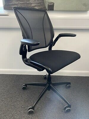 £265 • Buy Humanscale Diffrient World Task Chair – Black