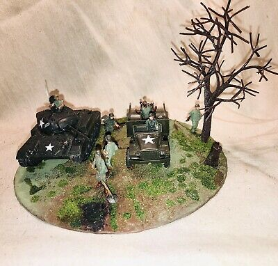 $34.99 • Buy Small Diorama 1/72 WWII US M24 Chaffee Tank & 2 1/2 Ton Truck ,8 Soldier Figures