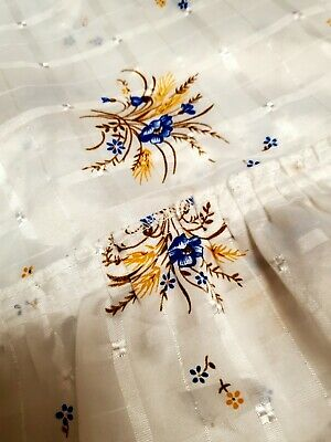 £7.99 • Buy Large Vintage Linen Tablecloth With Stunning Flowers And Raffled Edges
