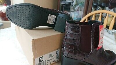 £27 • Buy Ladies Clarks Burgundy Boots Size 4 New