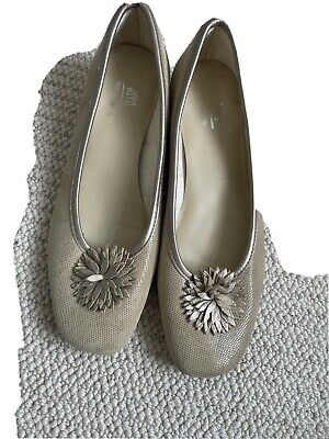 £35 • Buy Riva Shoes. Court Size 41