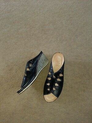 £8 • Buy Riva Shoes Size 5