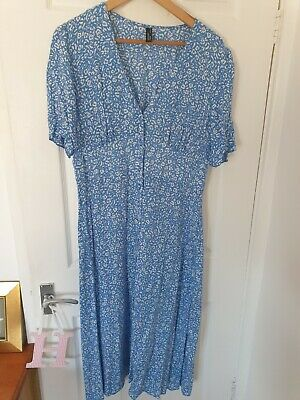 £5 • Buy Nobody's Child Button Front Midi Dress In Ditsy Floral UK 16