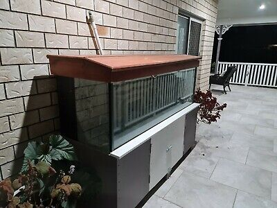 AU190 • Buy Fish Tank With Cabinet. Includes Accessories Also. Used Condition.