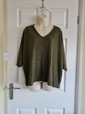 £3 • Buy New Look Slouchy Oversized Tops Size Med-large Uk 12-14