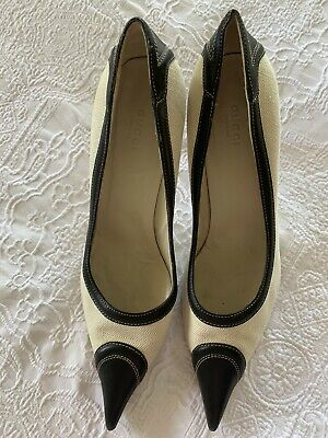 AU600 • Buy Gucci Cream Shoe With Black Pointed Toe