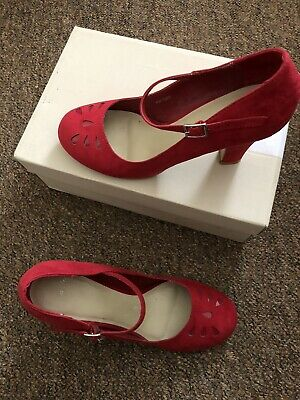 £40 • Buy Clarks Ladies Red Court Shoes/Heels Size 5 Vintage Vibes