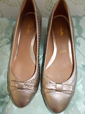 £12.99 • Buy  CLARKS  SHOES Size 4 EXTRA WIDE