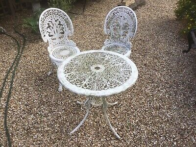 £120 • Buy Cast Aluminium Table & 2 Chairs. Good &  Heavy Classic Design. White Weathered.