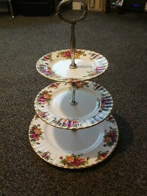 £15 • Buy 3 Tier Cake Stand Royal Albert Old Country Roses
