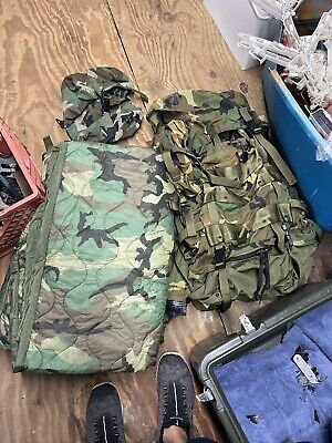 $500 • Buy ARMY ISSUE SLEEPING BAG MILITARY SLEEP SYSTEM Backpack Bivy Blanket And More