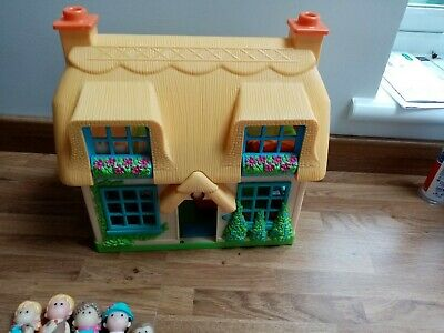 £12 • Buy ELC HappyLand Rose Cottage Dolls House With 5 Characters - Sounds Working