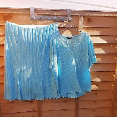 £11 • Buy Forever By Michael Gold Suit In Turquoise Crepe Material Size Xxl